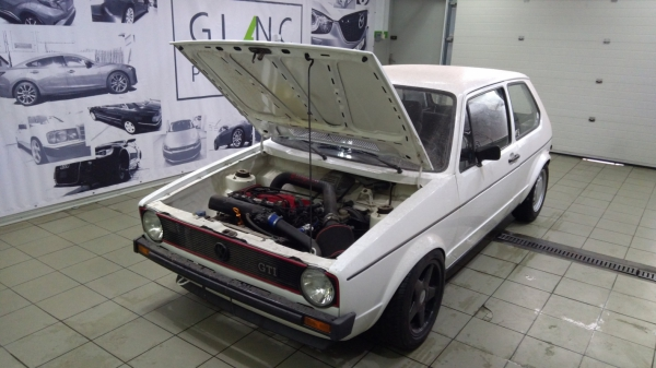 Volswagen Golf I - korekta lakieru + 12- miesięczna powłoka + detailing wnętrza