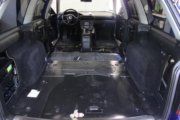 VW Passat B5fl - korekta lakieru + powłoka 12-miesięczna + detailing wnętrza