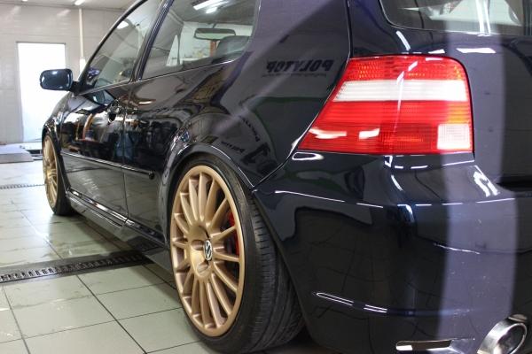 Volkswagen Golf IV - Wieloetapowa korekta lakieru + 12-miesięczna powłoka hydrofobowa