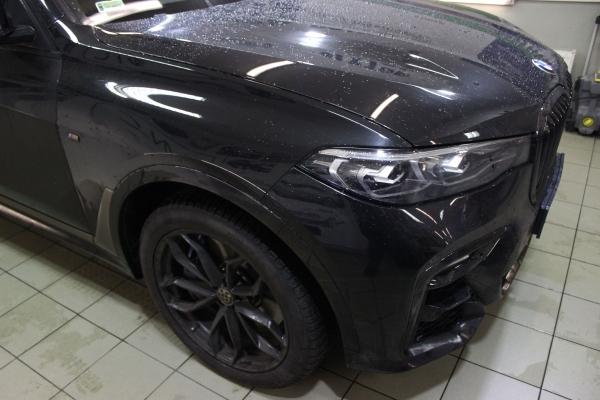 BMW X7 M - zmiana koloru