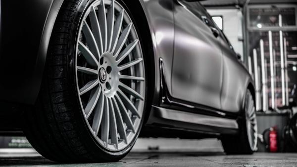 BMW 7 - zmiana koloru