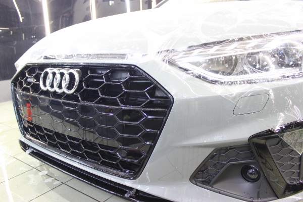 Audi A4 S-line Folia PPF + Powłoka ceramiczna